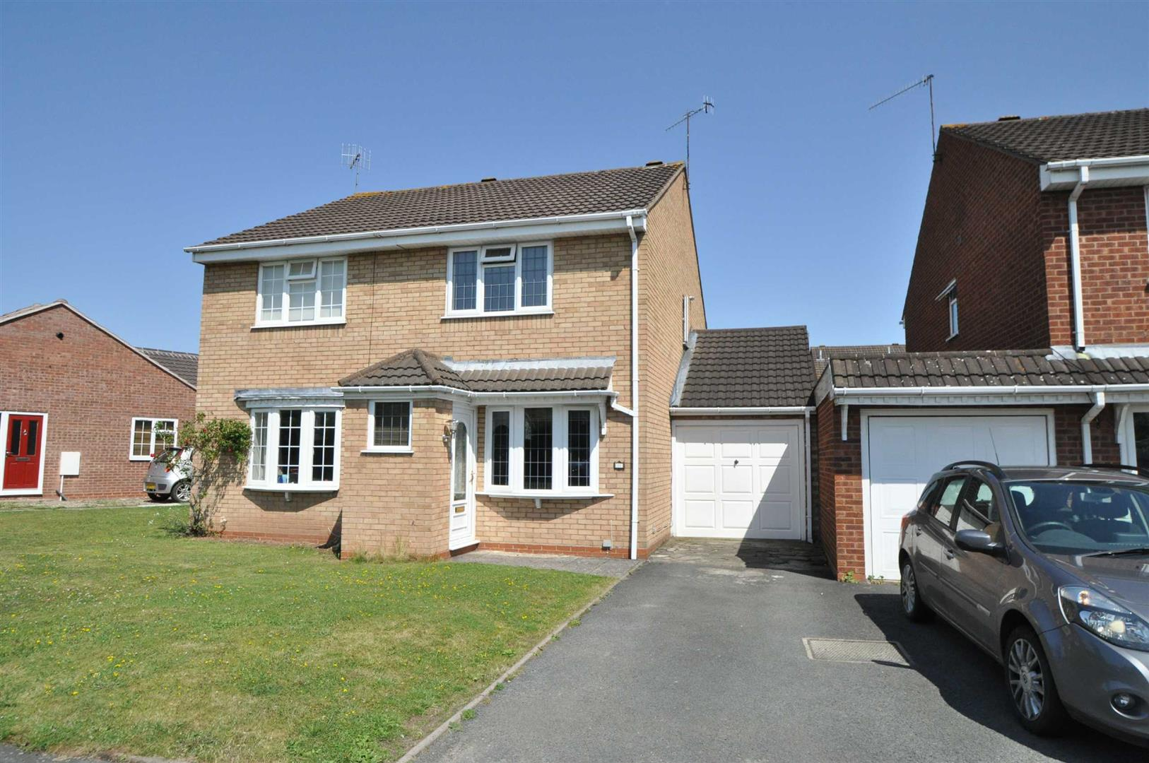 2 Bedrooms Semi Detached House for rent in Newland Road, Droitwich Spa